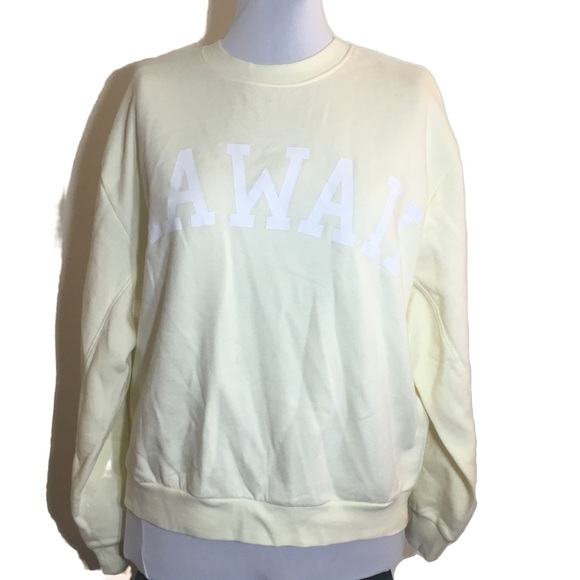 NWOT Wild Fable Hawaii sweatshirt in soft yellow